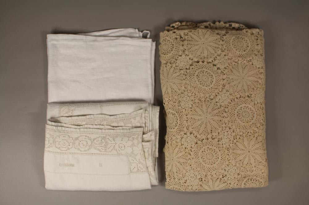 Lot of antique and vintage linen and lace (3)