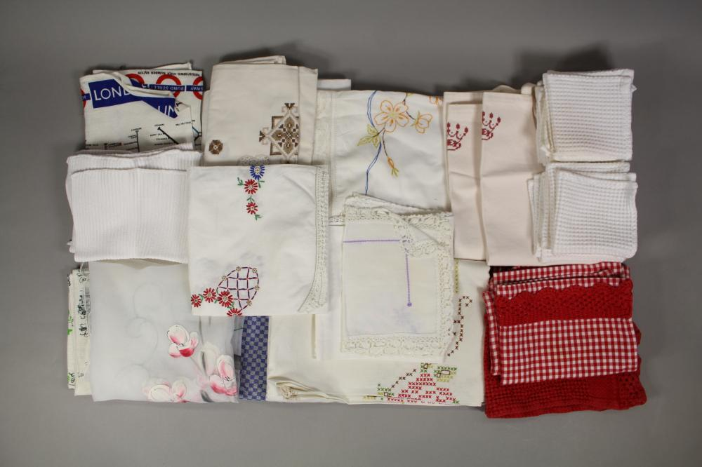 Assortment of linen to include napkins, children's aprons and others