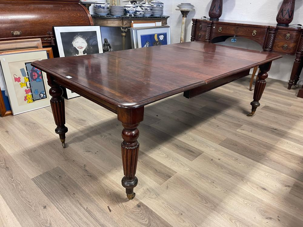 Antique Victorian plum pudding mahogany extension dining table, single large extra leaf standing on turned fluted legs, approx 70cm H x 214cm W (open) x 108cm D