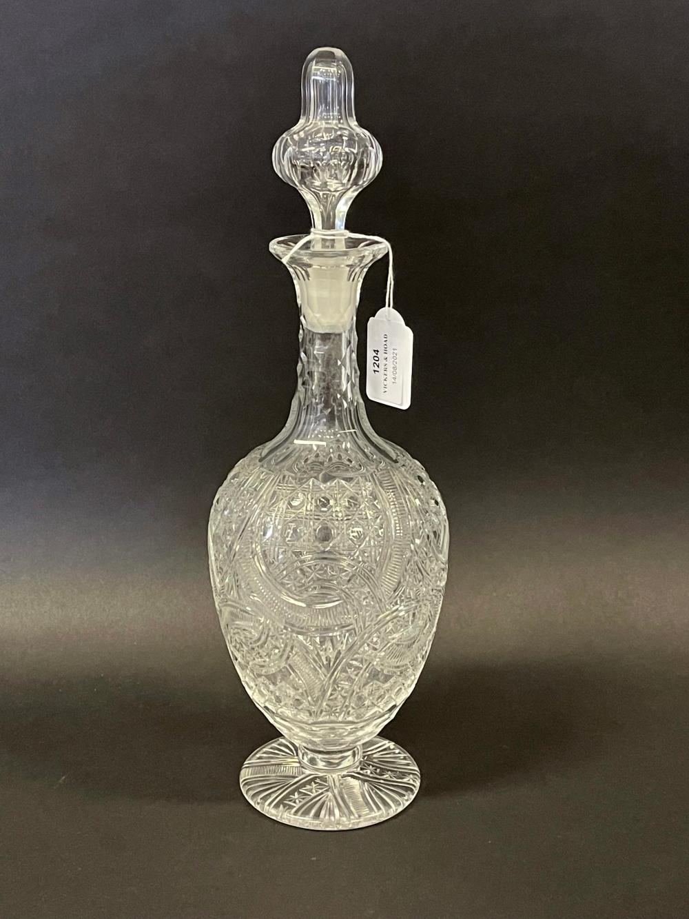 Fine heavy cut crystal decanter, approx 36 cm high
