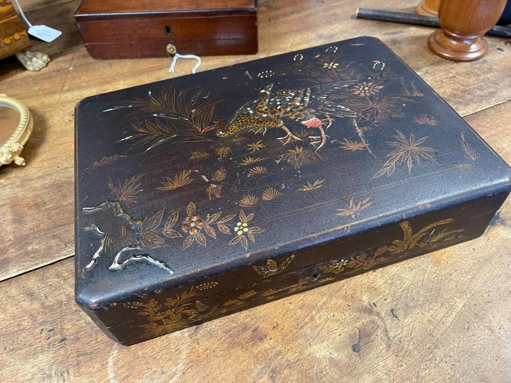 Antique export lacquer and Chinoiserie decorated games box, with contents, approx 7cm H x 32cm W x 23cm D
