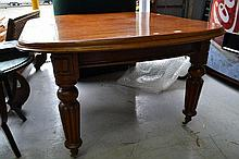 Antique Victorian mahogany extension dining table,