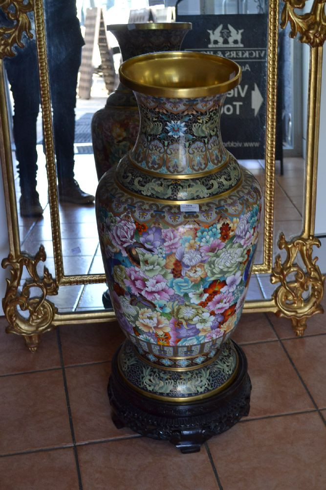 Large chinese cloisonne vase on stand approx 90cm h includi for Cloison stand