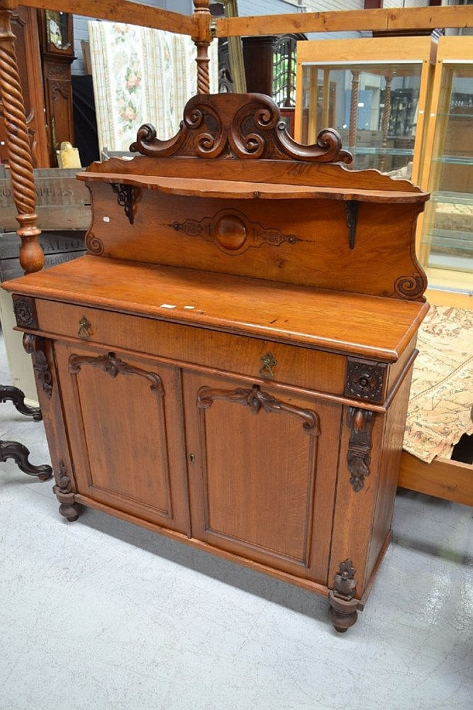 Antique 19th Century Oak Sideboard With Shelf And Cast Iron