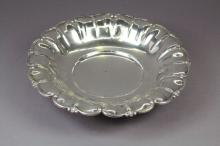 Italian 800 silver scalloped edge strawberry bowl, marked approx 24cm Dia, 123g