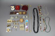 Selection of costume jewellery