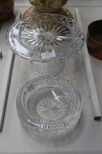 Waterford ash tray A/F along with a crystal glass cake stand, approx 25cm Dia & smaller (2)