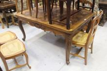 French Louis XV style draw leaf dining table, approx 76cm H x 151cm W (closed) x 103cm D