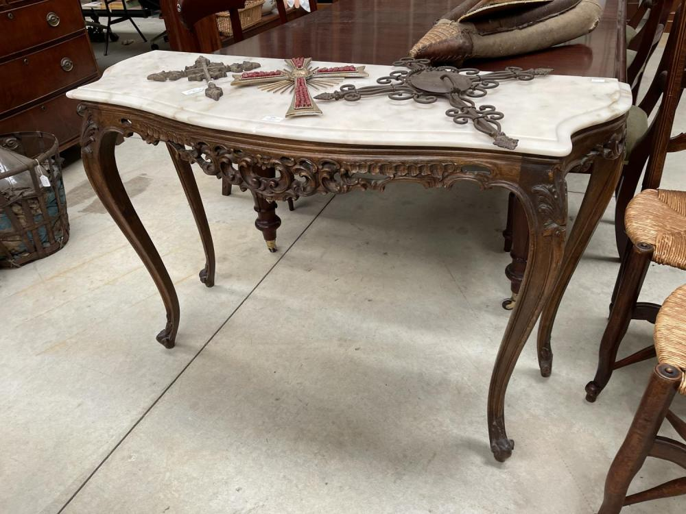 Marble top side console on carved wooden base, approx 81.5cm H x 124cm W x 44cm D