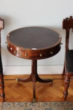 Fine Antique small scale Regency rosewood swivel topped drum table, fitted with a leather top, gilt brass button knobs, turned central support, with spay out swept legs, approx 58cm Dia x 70cm H