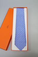 Hermes tie, indigo blue club Etriers, 100% Soie, Cravate Twill