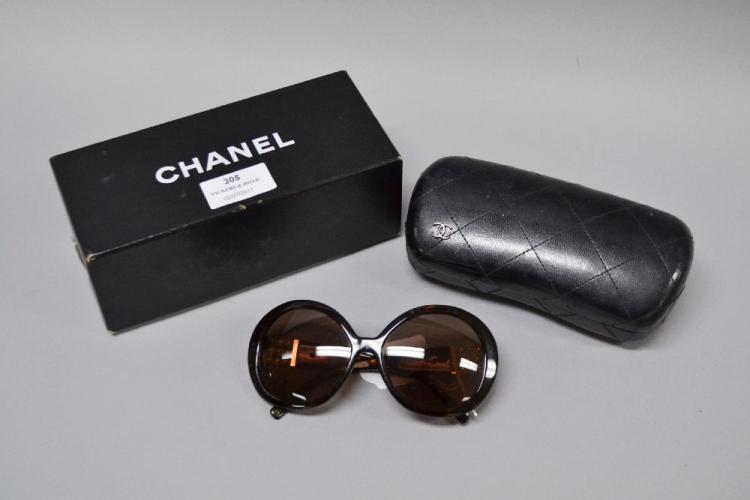 760586c5c3e Chanel  quot Perle quot  Collection sunglasses in case ...