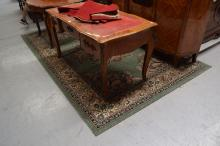 Large green ground rug, approx 207cm W x 300cm L