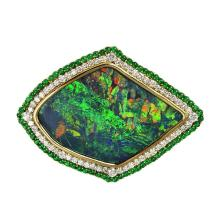 Outstanding & unique 117ct Lightning ridge Black Opal, set in a ladies 18ct gold belt buckle with a diamond and emerald surround, and a bespoke Hermes crocodile belt Approx Specifications: GSL Certificate, Solid natural Opal (type 1), Variety Black N2, 58.41 x 39.42 x 10.95mm, Shape: Freeform drop carved, Origin Lightning Ridge, Weight 117.09ct, Colour: Multi coloured- Full spectrum, pattern: large irregular blocky and flowing. Inc 72x Emerald cabochons, and 62x round brilliant cut diamonds.