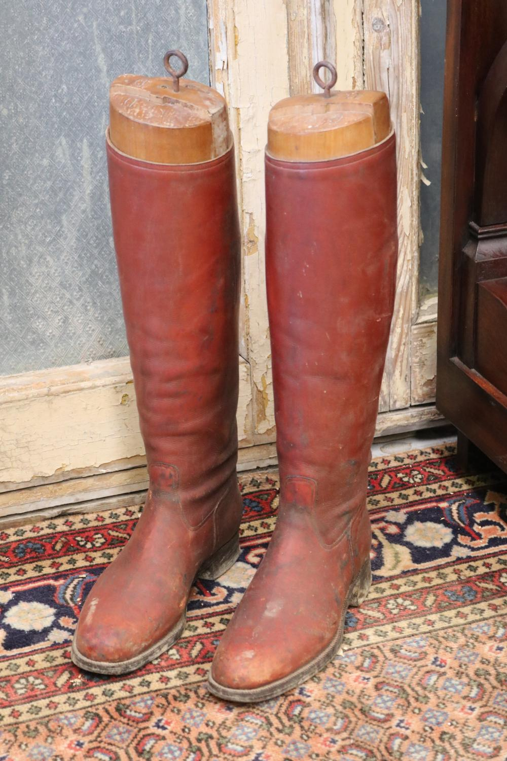 Pair of antique French leather riding boots with stretcher inserts, each approx 47cm H (excluding hook) (2)