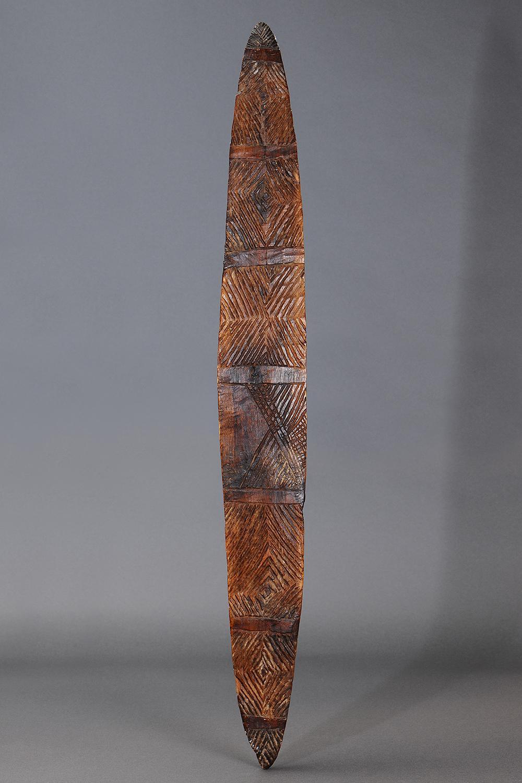 LARGE NARROW SHIELD, SOUTHEAST AUSTRALIA