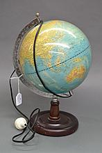 Vintage world globe/lamp in working order, approx