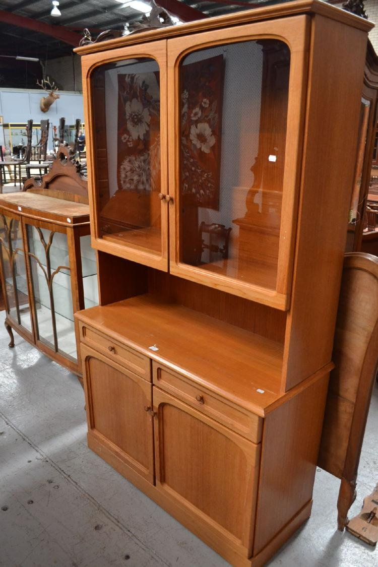 1970 39 S Display Cabinet Approx 198cm H X 114cm W X 47cm D