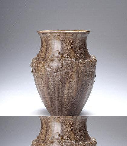Carrière, Ernest Vase, 1904 Sich schräg