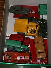 9 Dinky Toys. A Studebaker State Commander (39f) w
