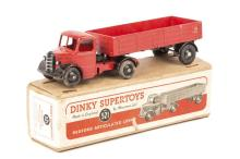 A Dinky Supertoys Bedford Articulated Lorry (521). An example with red cab