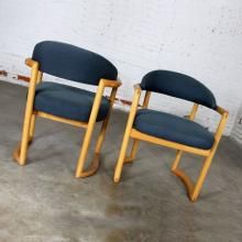 Chairs For Sale At Online Auction Buy Modern Amp Antique