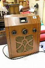 TELSEN 464 VALVA RECEIVER IN WALNUT CASE 36CM X