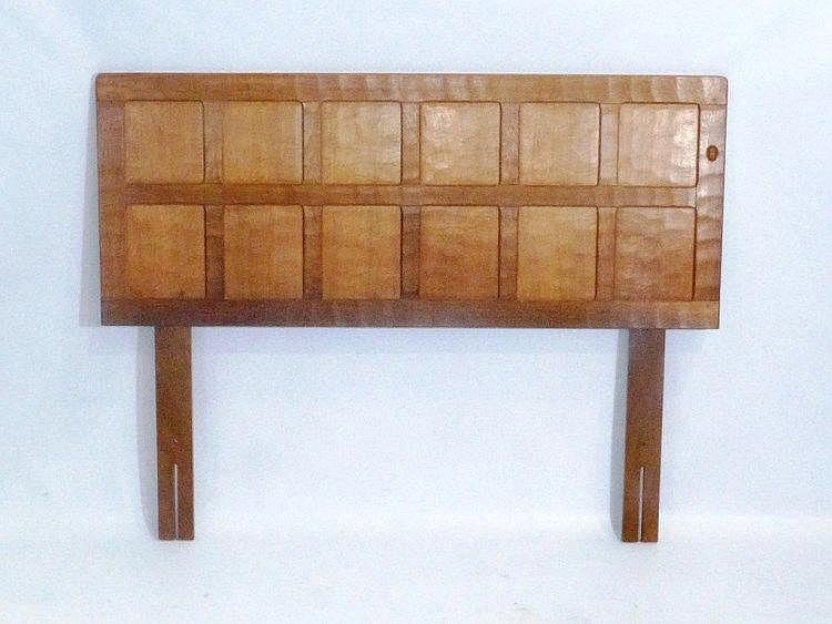 Alan grainger acorn industries for Abanos furniture industries decoration llc