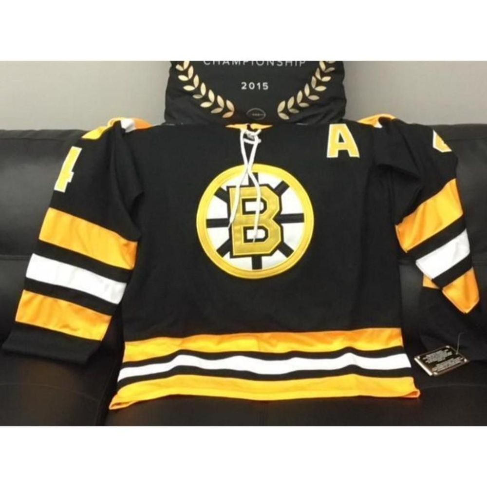 Fabulous Vintage Bobby Orr Autograph Jersey with COA