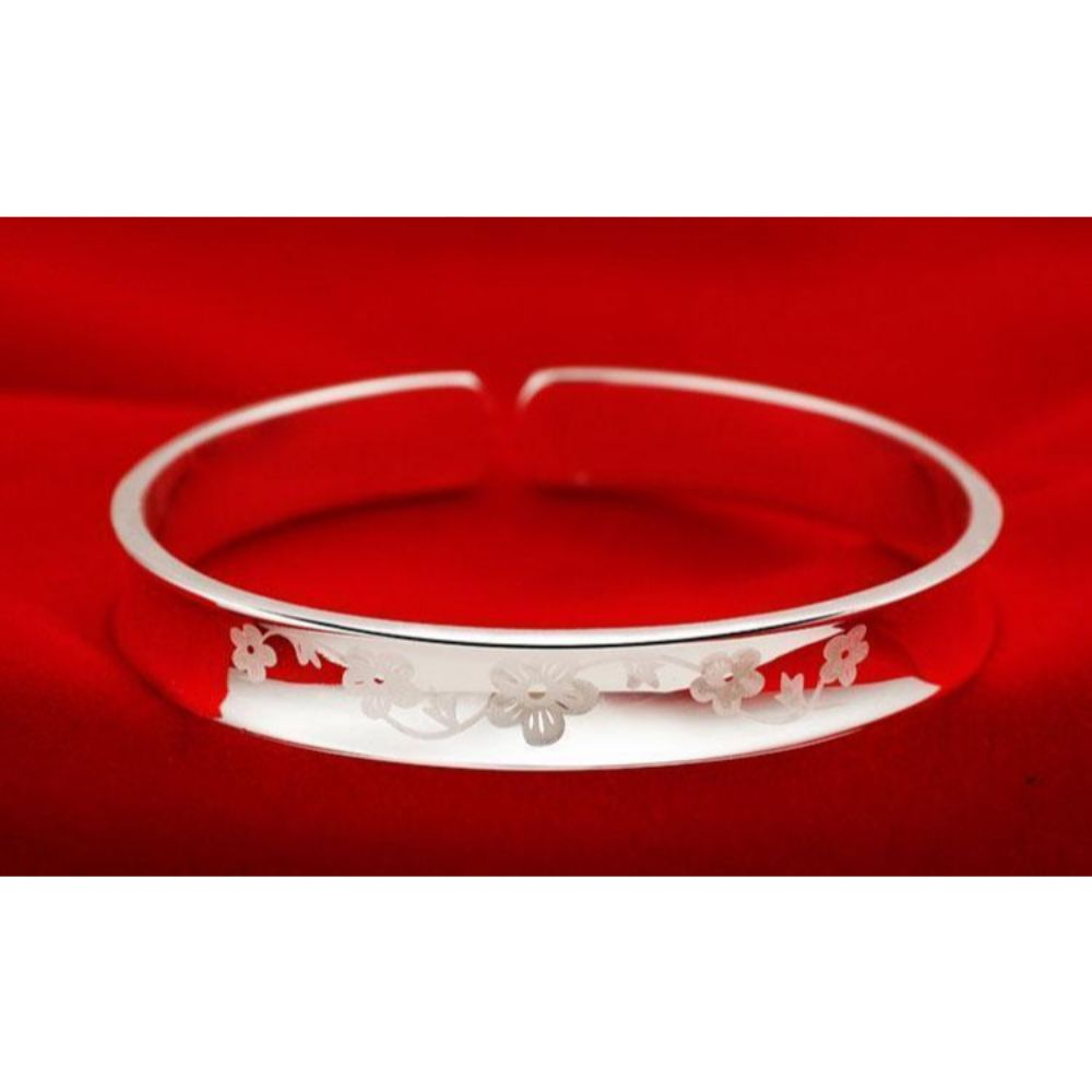 925 Sterling Silver Plum Flower Ethced Ladies Bangle