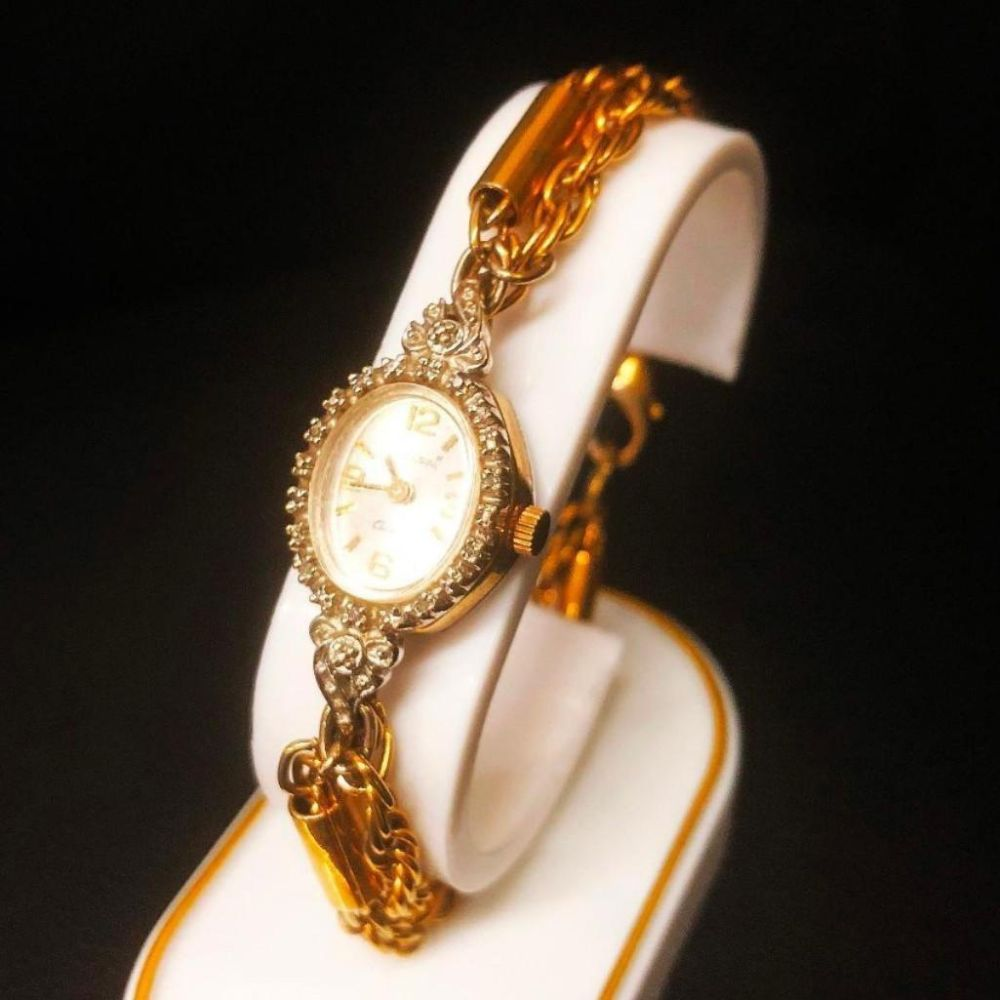 Ladies Chateau Quartz Bracelet Watch