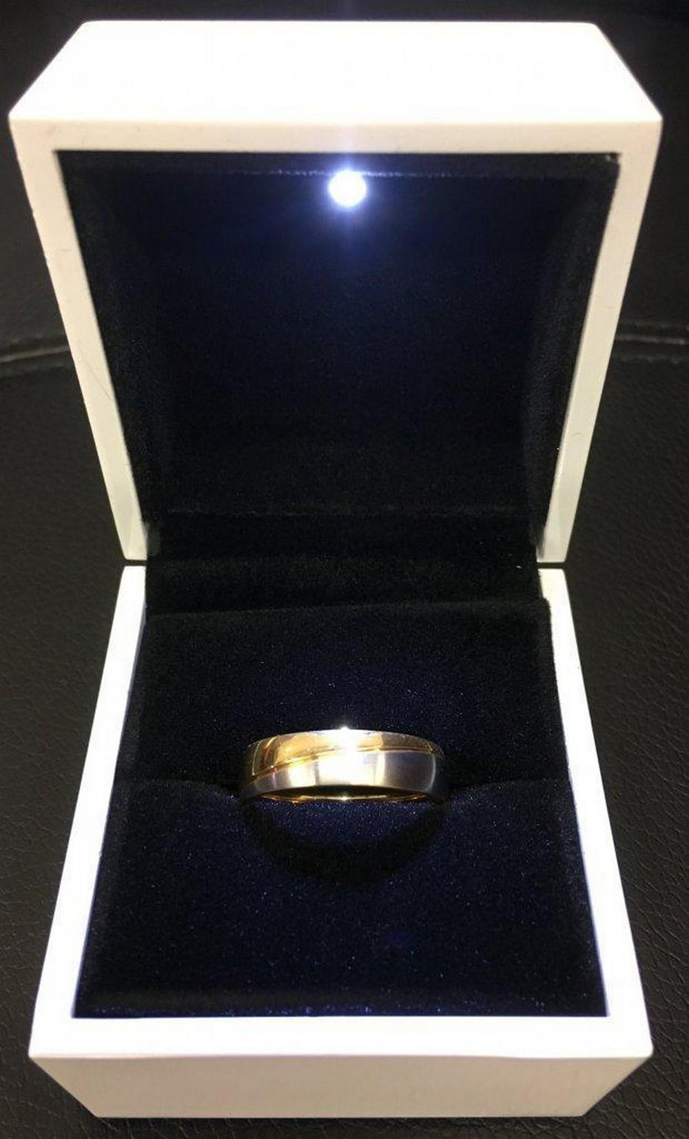 18kt Gold Plated Size 10 Men's Cross Band Ring With LED