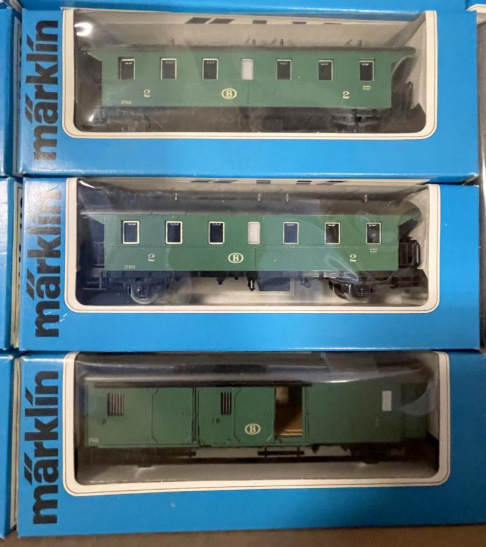 12pc Marklin HO Passenger Set