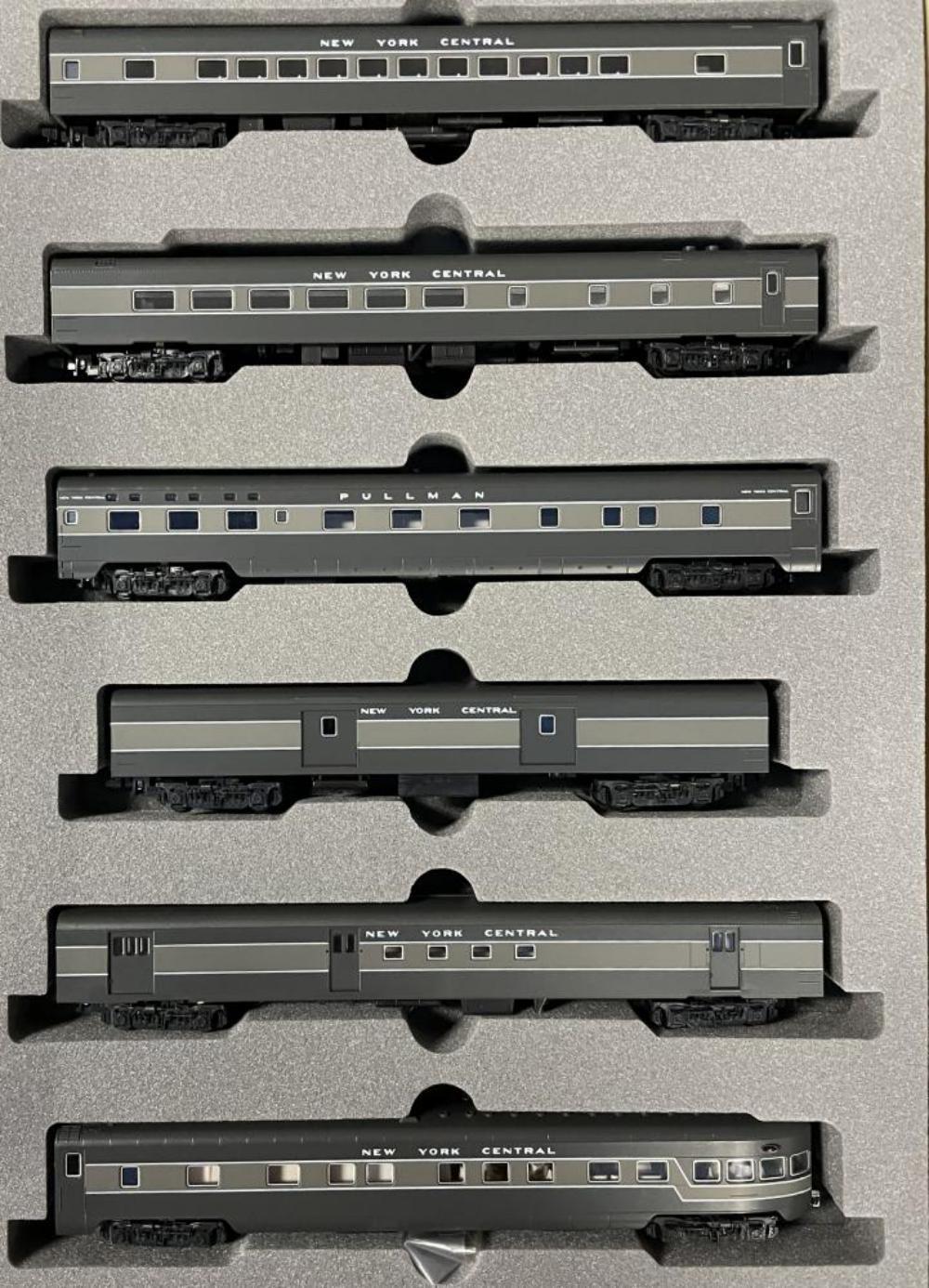 2 KATO N Gauge NYC Passenger Car Sets