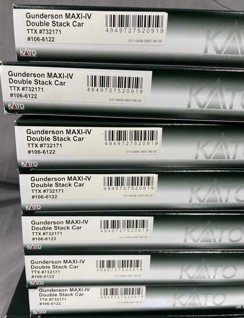 10pc KATO N Gauge CN Maxi IV Freight Set