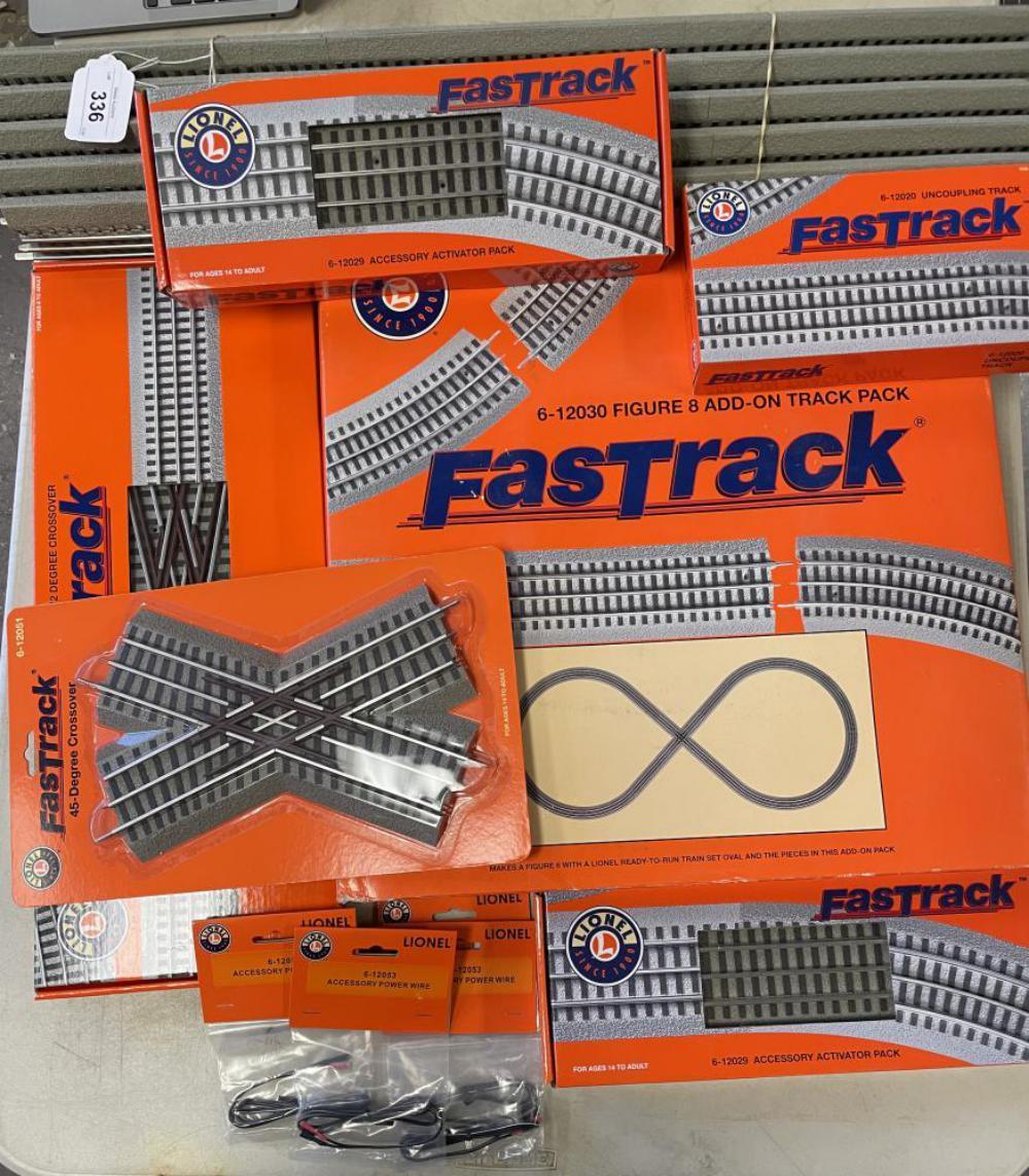 Lionel FastTrack Lot