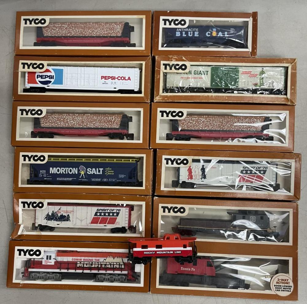11pc Boxed Tyco HO Diesel Freight Set