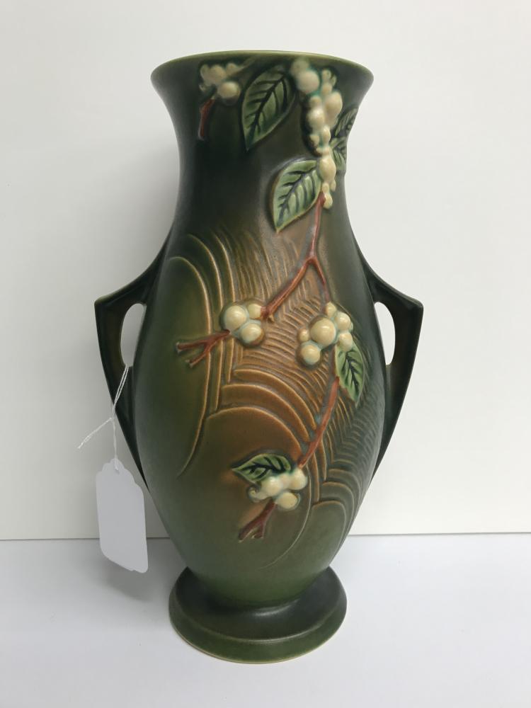 Roseville Snow Berry Vase