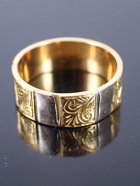An 18ct gold ring approx. 5.99 grams