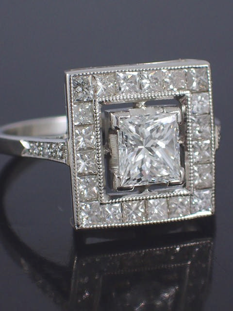 A diamond cluster ring the main diamond is estimated as 0.80cts