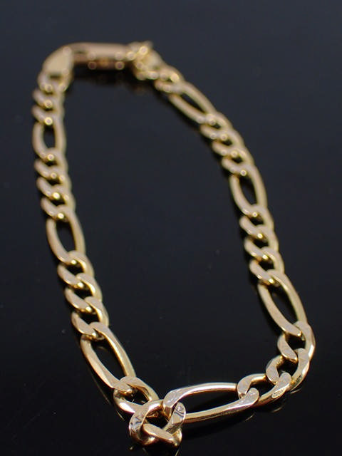 An 18ct gold bracelet approx. 7.7 grams