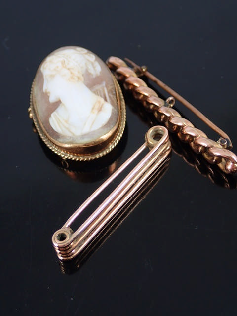 A collection of jewellery approx. 10 grams