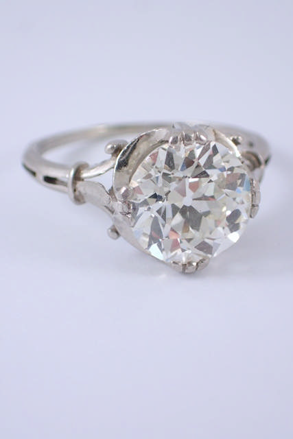 A fine diamond single stone ring estimated weight of diamond 3cts, estimated as I/J colour and VS/SI