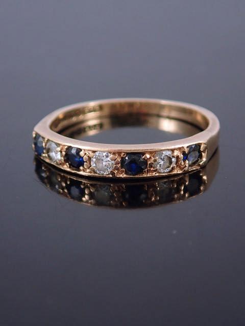 A gem set gold ring approx. 2.2 grams