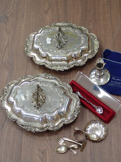 A collection of silver & platedware