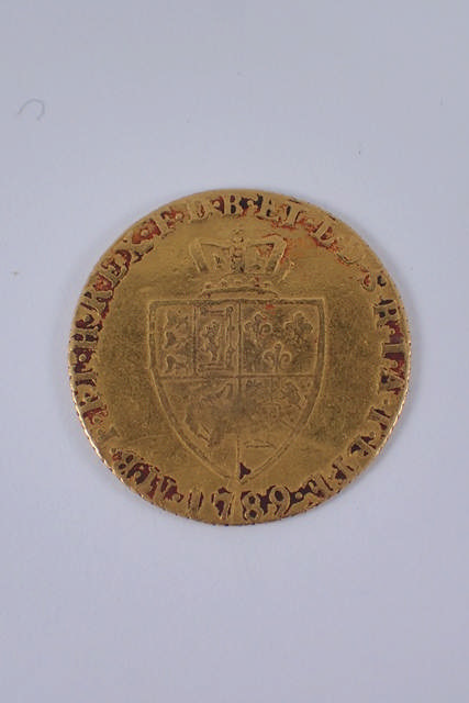 A half guinea dated 1789 approx. 4.1 grams