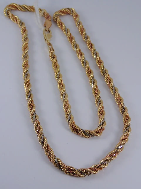 A 14ct gold rope chain