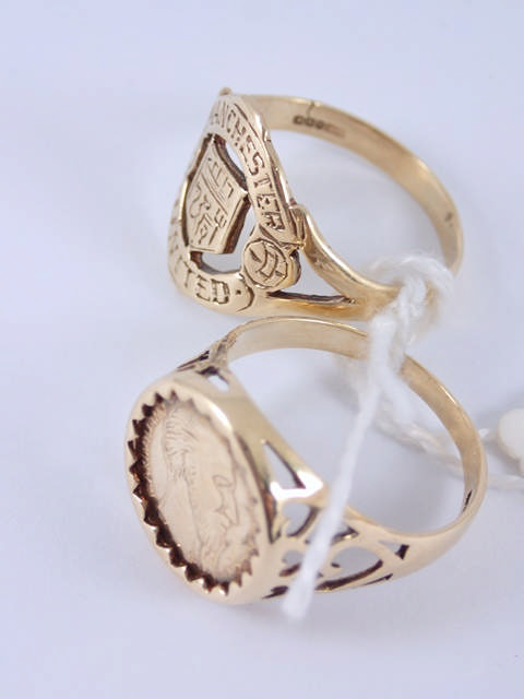 Two 9ct gold signet rings