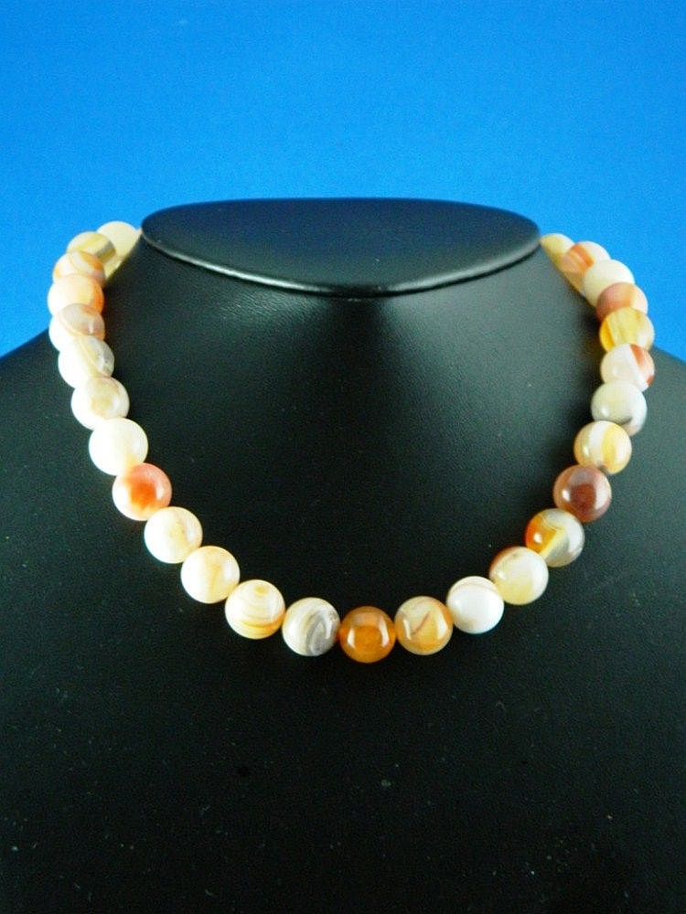 A agate necklace