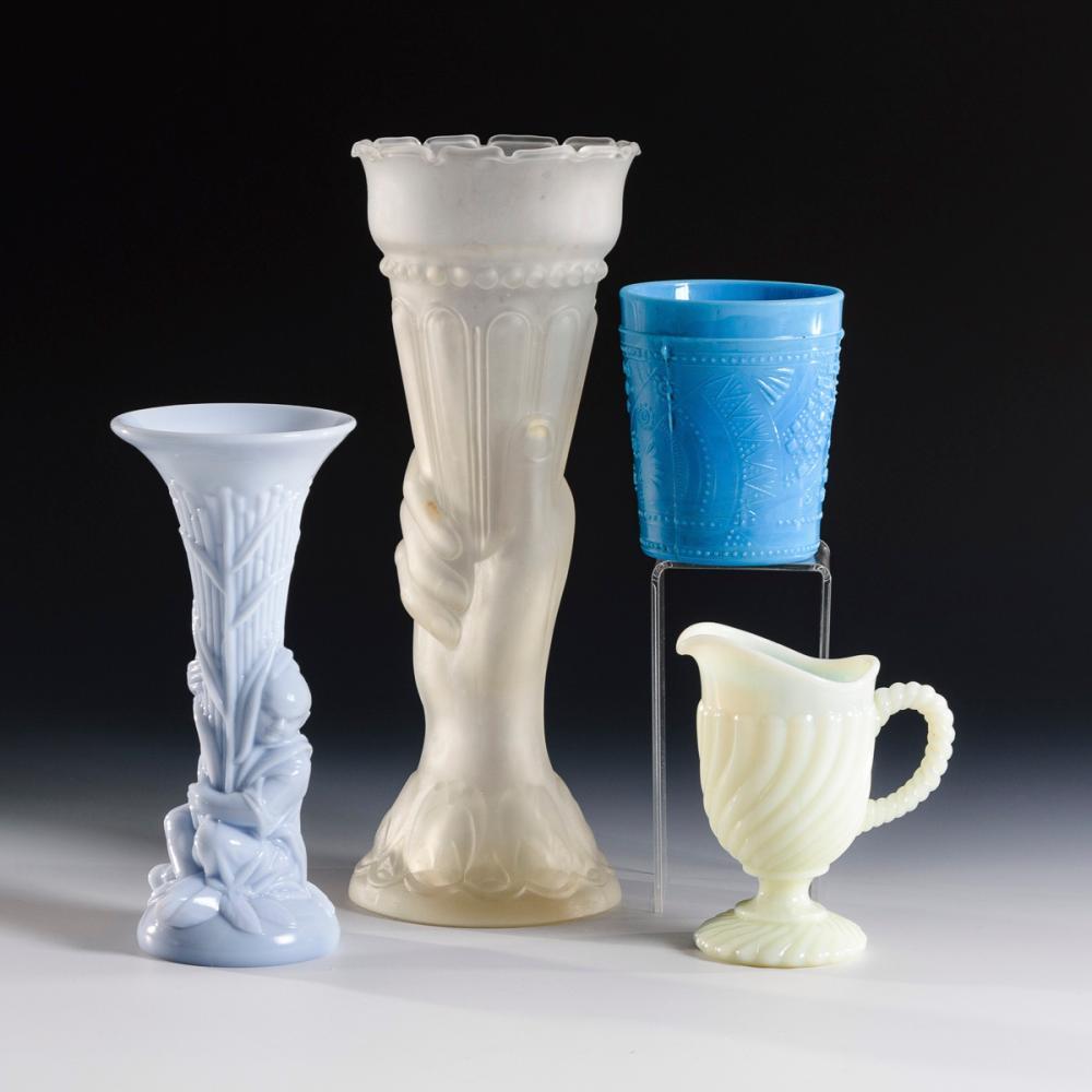 2 Vasen, Kännchen und Becher Pressglas.